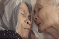 Nghẹn ngào khoảnh khắc mẹ 105 tuổi bật khóc khi gặp con gái 84 tuổi sau 4 tháng giãn cách: 'Má nhớ con thiệt mà hổng biết con ở đâu'