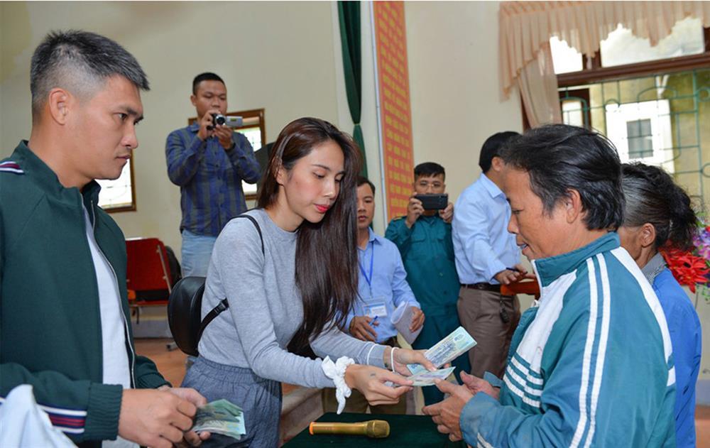 Huyện Thanh Chương báo cáo tiền Thủy Tiên làm từ thiện ít hơn xác nhận năm 2020-2