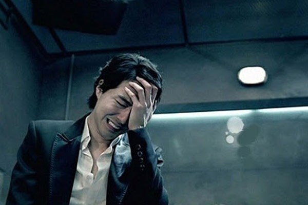 Đang vui vẻ tổ chức sinh nhật cho mẹ tôi thì anh trai bỗng bật khóc, rồi anh chỉ đĩa cá hấp khiến cả nhà giật mình-1