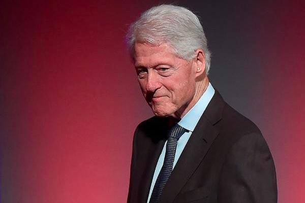 Cựu Tổng thống Mỹ Bill Clinton nhập viện-1