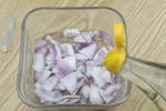 Hành tây ngâm giấm trắng không ngờ lại có công dụng mạnh mẽ như vậy, giải quyết được nỗi lo của nhiều người