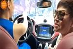 Xôn xao clip Hồ Ngọc Hà lái siêu xe chở vợ Đàm Vĩnh Hưng tại TP.HCM nhưng bị chỉ trích vì hành động này