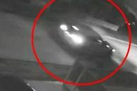 Nhiệt tình làm nhân chứng giúp cảnh sát điều tra cái chết của vợ, gã đàn ông bị vạch trần tội ác chỉ nhờ dấu vết nhỏ trong nhà