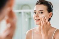 Gái Hàn giờ chỉ skincare buổi tối với đúng 5 bước mà da vẫn căng 'búng ra nước'