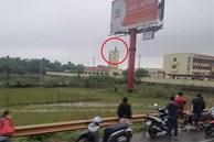 Hiện trường người đàn ông trong tư thế tr.eo c.ổ trên biển quảng cáo ở Thừa Thiên Huế