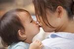 Dù là mối quan hệ thân thiết thì bố mẹ đừng cả nể, hãy biết từ chối đúng lúc vì sự an toàn của con nhỏ