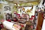 Cả gia đình chết không còn ai, nhà bị chính quyền thu giữ bỏ hoang 30 năm, cảnh tượng bên trong gây lạnh sống lưng
