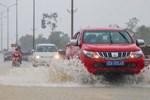 Hà Nội trở lạnh, miền Trung mưa lớn
